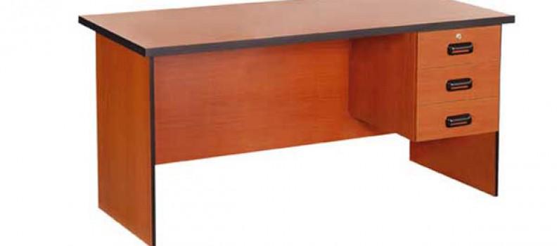 3 Draw Desk